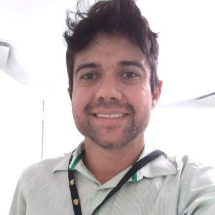 Dr. Alexandre Oliveira